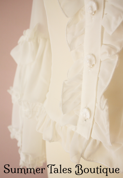 Princess sleeve blouse offwhite buttons