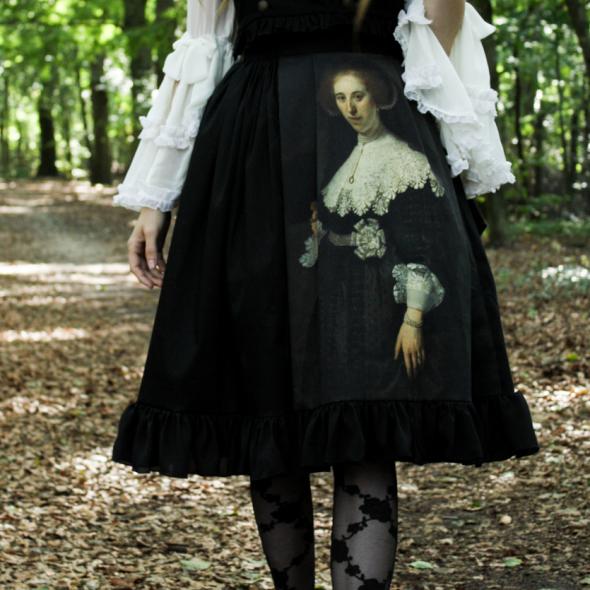 Luxurious Love Oopjen Skirt close up