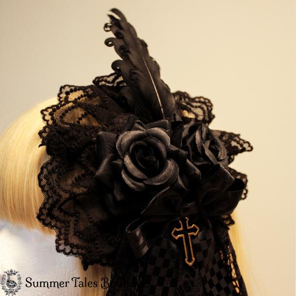 Skull Lace Luxurious Roundpiece Headdress Close Up