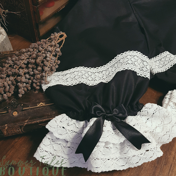 Nostalgia Bloomers black with white lace